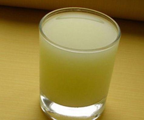 Молочная сыворотка - побочный продукт производства творога, дешевый и неоцененный по заслугам. 1 стакан сыворотки содержит дневную норму витаминов А,В,Е,С, никотиновую кислоту, калий, кальций, лактозу…