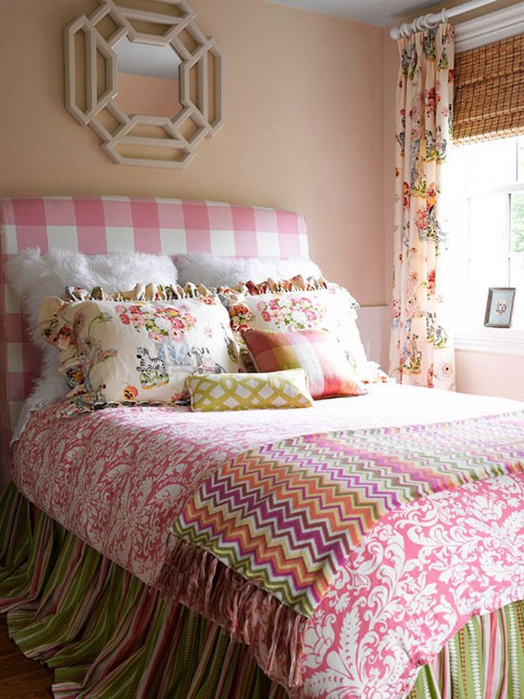 Resultado de imagem para gingham headboard small bedroom How to Decorate a Small Bedroom 6d477570dbf46852b2e9b72d7debbc0c