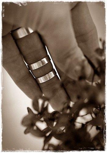 Hopeasormuksia yhdisteltäväksi. #Sormus joka sormelle.