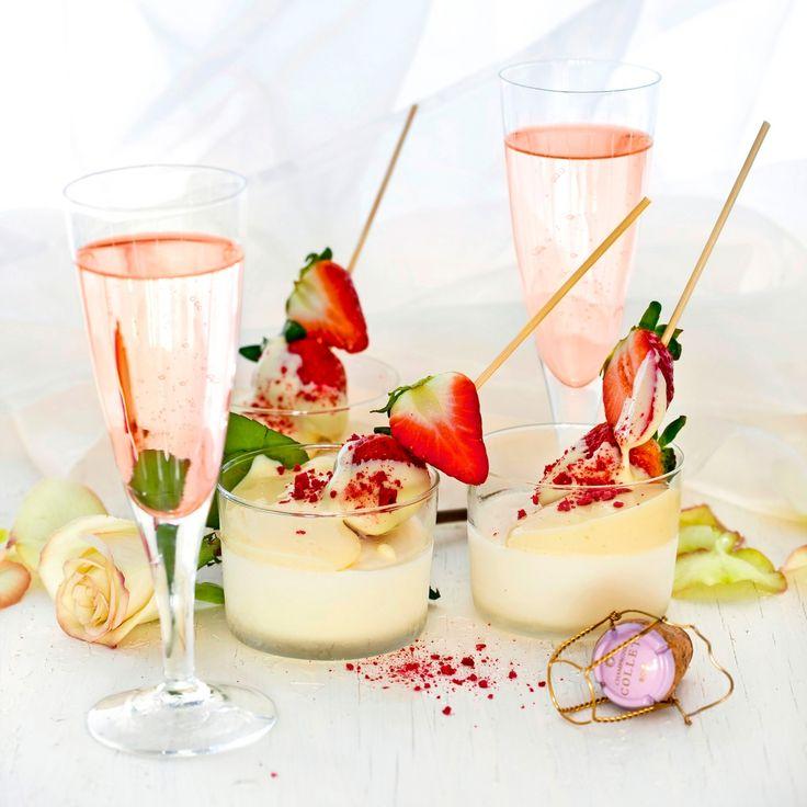 Testa vit chokladglass med champagnesabayonne till efterrätt.