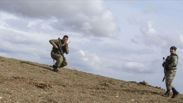 Irak: des soldats turcs déployés près de Mossoul se retirent vers le nord