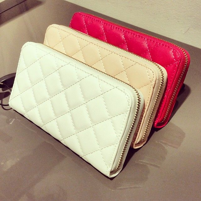 Cute wallet with wrist strap from Diabless of Sweden!