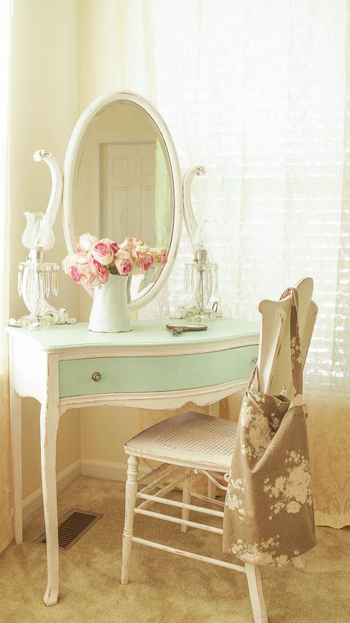 Great tip on painting a fabric chair and a master bedroom reveal. www.whitelacecottage.com