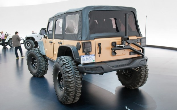 mopar jeep wrangler sand trooper ii concept rear three quarters view 2 photo on march 29 2013. Black Bedroom Furniture Sets. Home Design Ideas