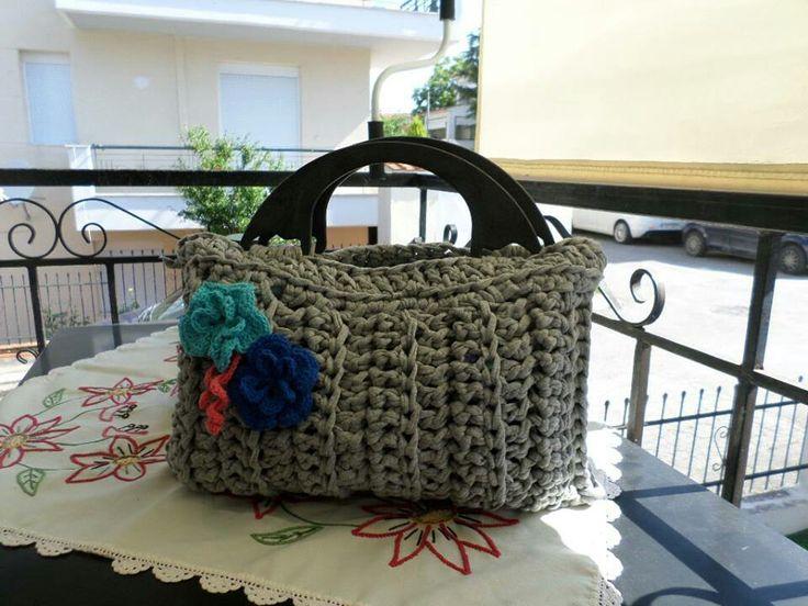 crochet hand bag, plastic handle τσάντα με πλαστικά χερούλια