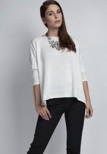 Elegancki sweterek z nitką.  http://besima.pl