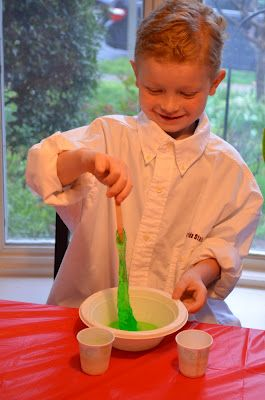 Mad Scientist Party - LOVE ALL Of this!! Experiments, gummy brains on cupcakes, party favor book, and dry ice in the punch!!