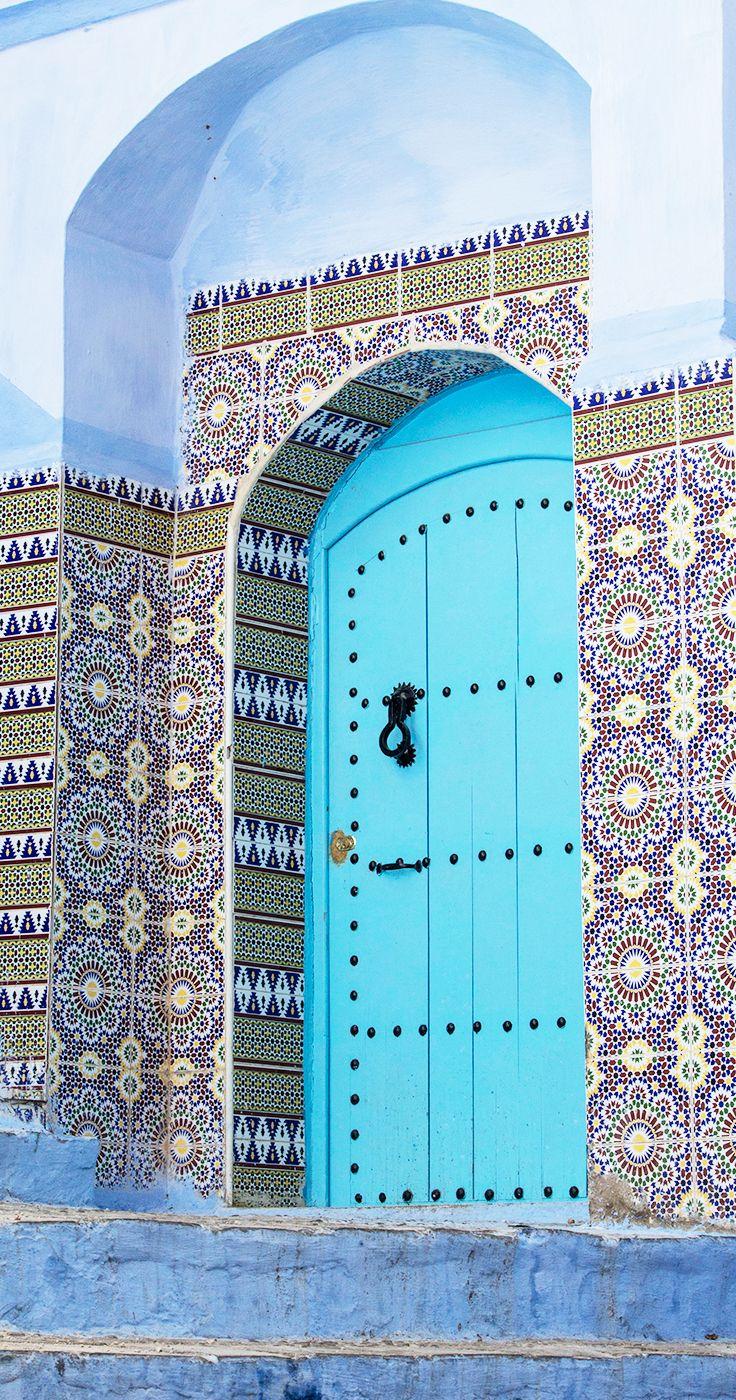 Chefchaouen, Marruecos / Agadir, antiguamente conocida como Santa Cruz del Cabo Aguer, es una ciudad de Marruecos, capital de la provincia homónima