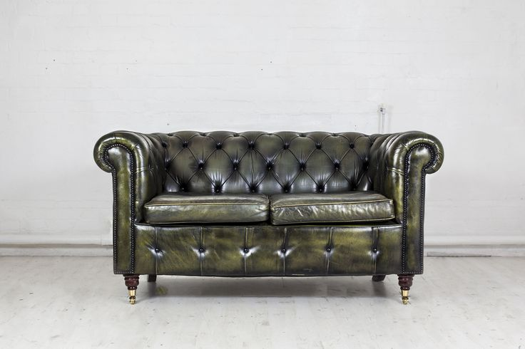 http://www.majeurschesterfield.co.uk/collections/sofas-chairs/products/mozart