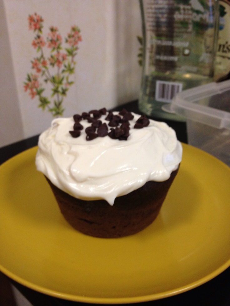 Wolfgang pucks pie maker makes awesome jumbo cupcakes for Wolfgang puck pie maker recipes