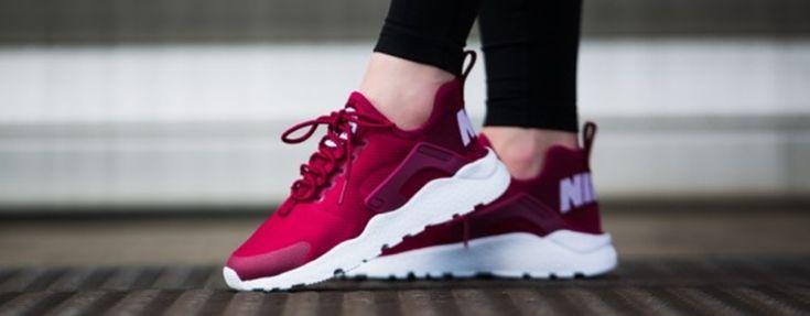 Tudja meg, hogy a #Nike#Air#Huarache mennyire divatos a nők körében 2017-ben.