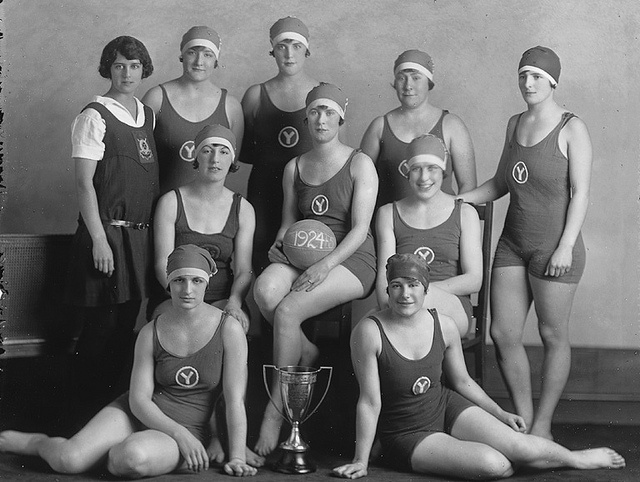 Y W C A Water Polo Team, Montreal, Qc, 1925  Water -5676