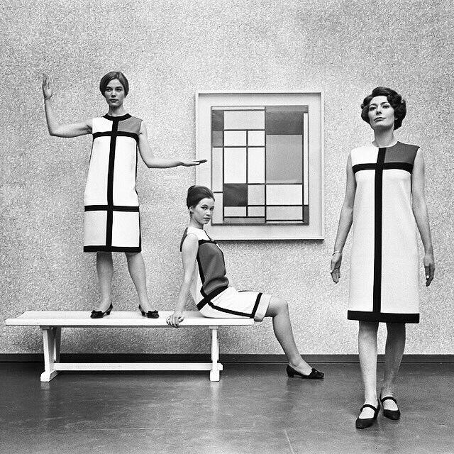 Yves Saint Laurent's De Stijl collection in front of a Piet #Mondrian #composition - 1966