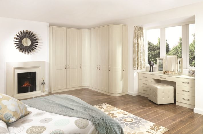 Update the look of your fireplace with the Shaker White Avola bedroom design. A contemporary style with a classic feel.