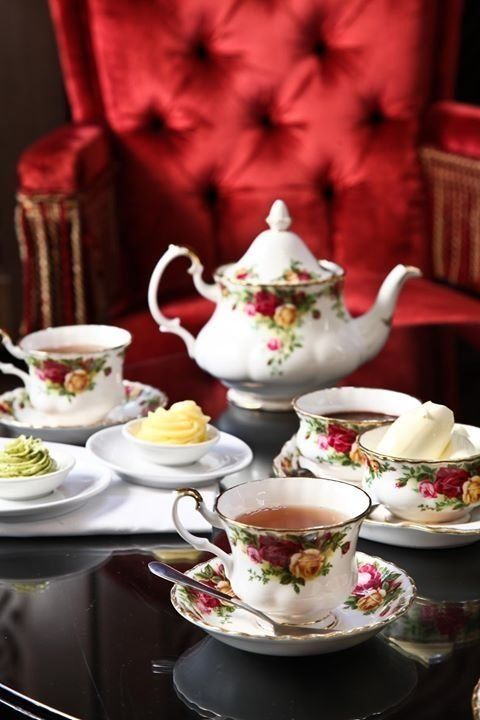 Afternoon Tea with a Royal Albert Tea Service ♥♥