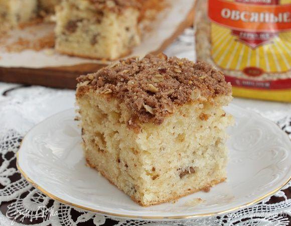 Очень простой кекс на кефире с хрустящей посыпкой будет весьма кстати к чаепитию в последний день зимы!