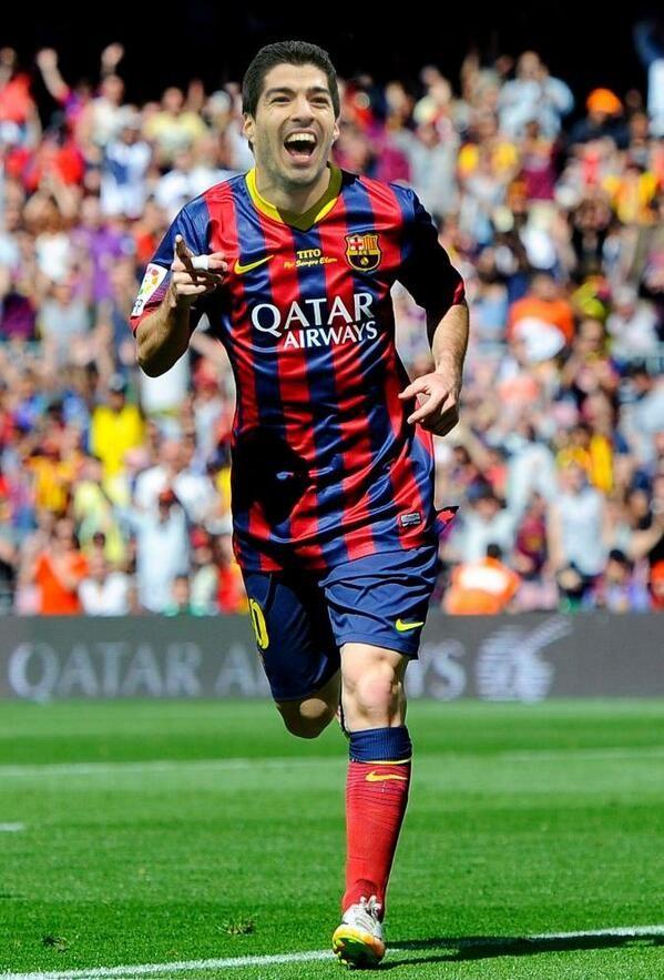 Luis Suarez avec le maillot du FC Barcelone : rêve ou future réalité ? - http://www.actusports.fr/110264/luis-suarez-avec-le-maillot-du-fc-barcelone-reve-ou-future-realite/