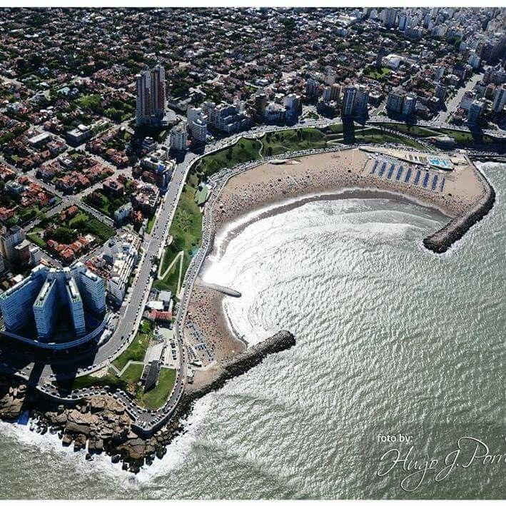 Playa Varese desde el cielo, Mar del Plata