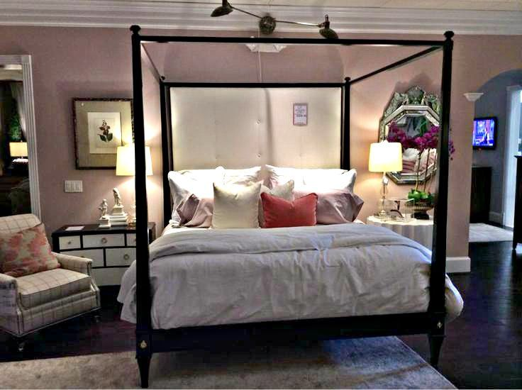 Youu0027ll feel like royalty sleeping under this stately poster canopy bed! Gorgeous dark & 187 best Gallery Furniture images on Pinterest | Living room sofa ...