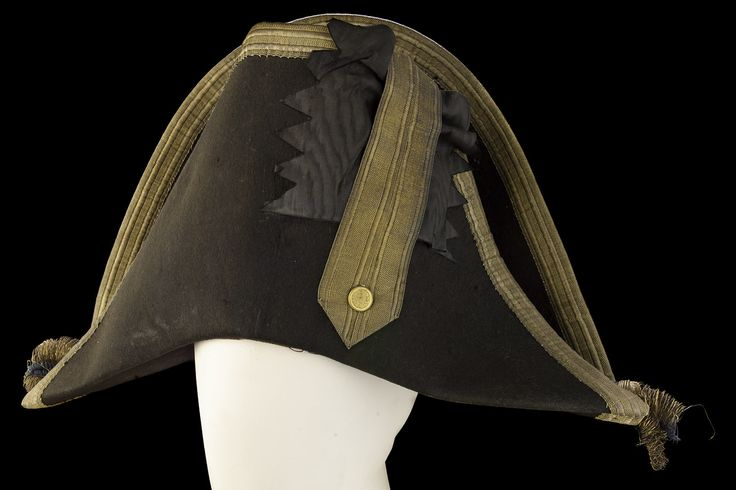 Hat of a flag officer, belonging to Rear-Admiral John Spratt Rainier (circa 1778-1822). Hats are not mentioned in uniform regulations until 1795, but in terms of style they tended to follow the lead of fashionable dress. However, the width of the lace on the hat indicated rank. Made in 1821