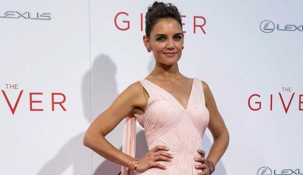 L'actrice américaine Katie Holmes est à l'affiche du film The Giver, une adaptation du best-seller Le Passeur de Lois Lowry. Retour en images sur le style vestimentaire de l'ex-femme de Tom Cruise.