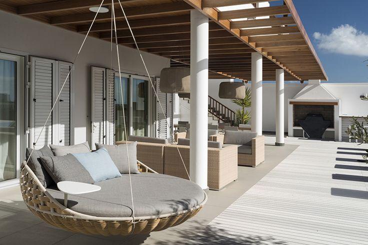 Veranda met composiet terrasvloer met houtlook van Esthec Terrace | UW-tuin.nl