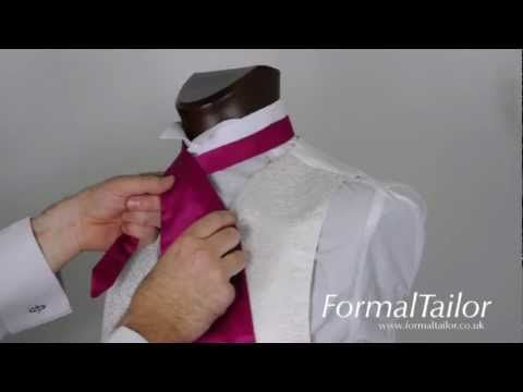 How to tie a cravat - YouTube