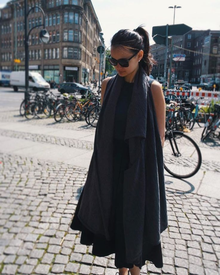 "That day in Berlin 😎⚫️⚪️⚫️ #monochrome #streetstyle - Loved ""carrying"" my @projectvdora cape as a scarf"