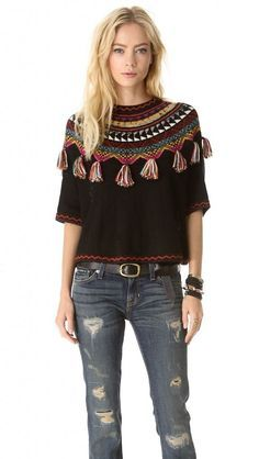 María Cielo: Carolina K-tejidos----*Knit up your own shoulder shrug with tassels.