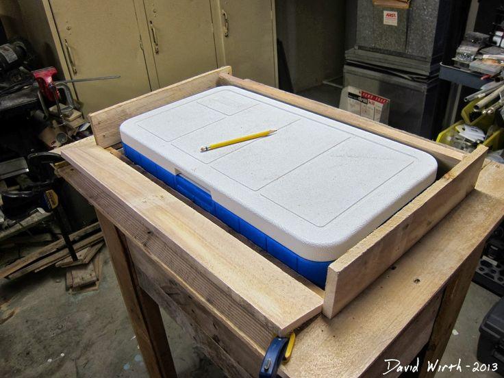 Rustikální Outdoor Cooler Stand - dřevěné palety