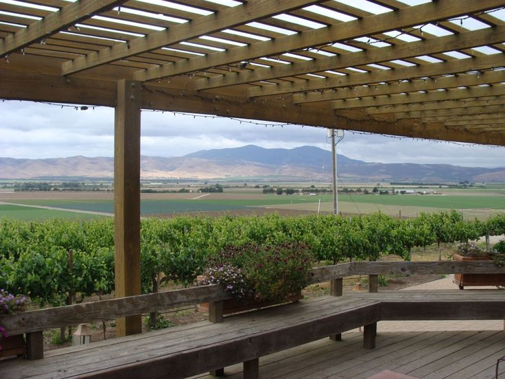 Paraiso Vineyards, is a larger family owned winery at the southern end of the Santa Lucia Highlands.