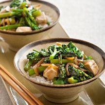 En snabb asiatisk wok med tofu och broccoli. Tips! Du kan också byta ut mot kyckling.
