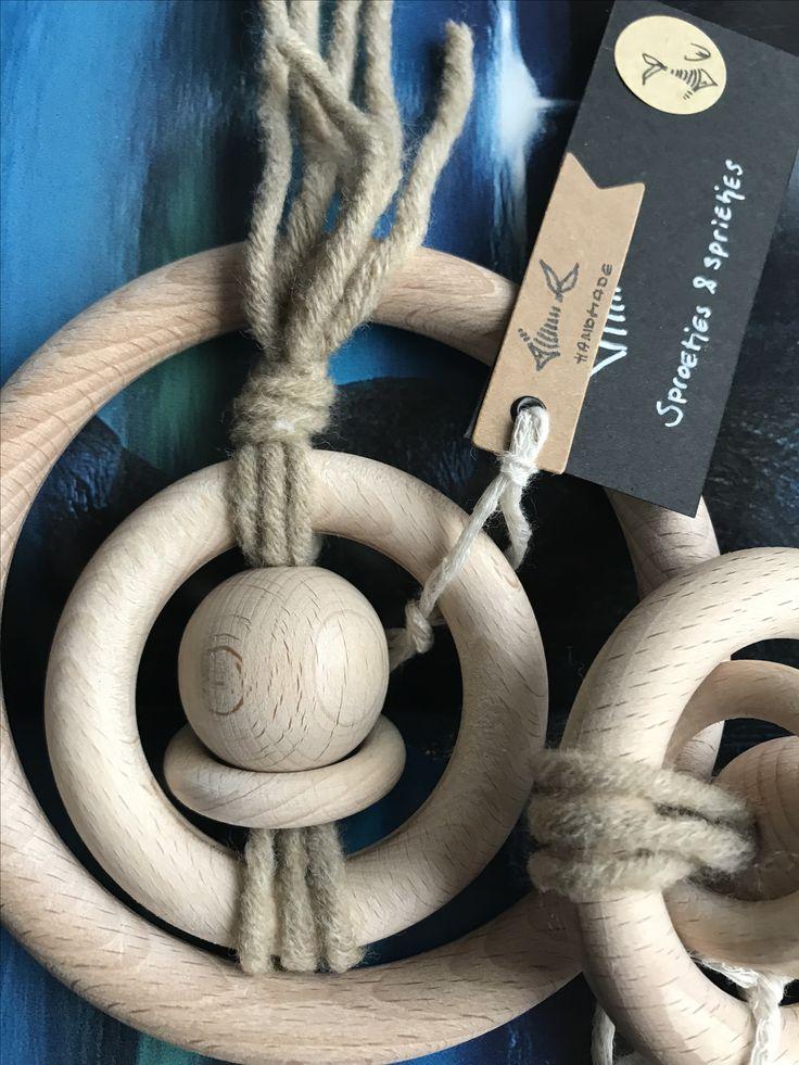 O R B I T – all natural. ✔️ #woodentoys #babygifts #natural #babygym #teething #eco #toys  #eco #rammelaars #rattles #bijtringen #teething #kraamcadeau #newstock  #newproducts #wood #teethertoys #monochrome #garlands #babyshower #babyshowergifts #utrecht #sproetjesensprietjes @sproetjesensprietjes #woodentoys #handmade #handmadebyme #design #toy #pramstrings #swanmarket