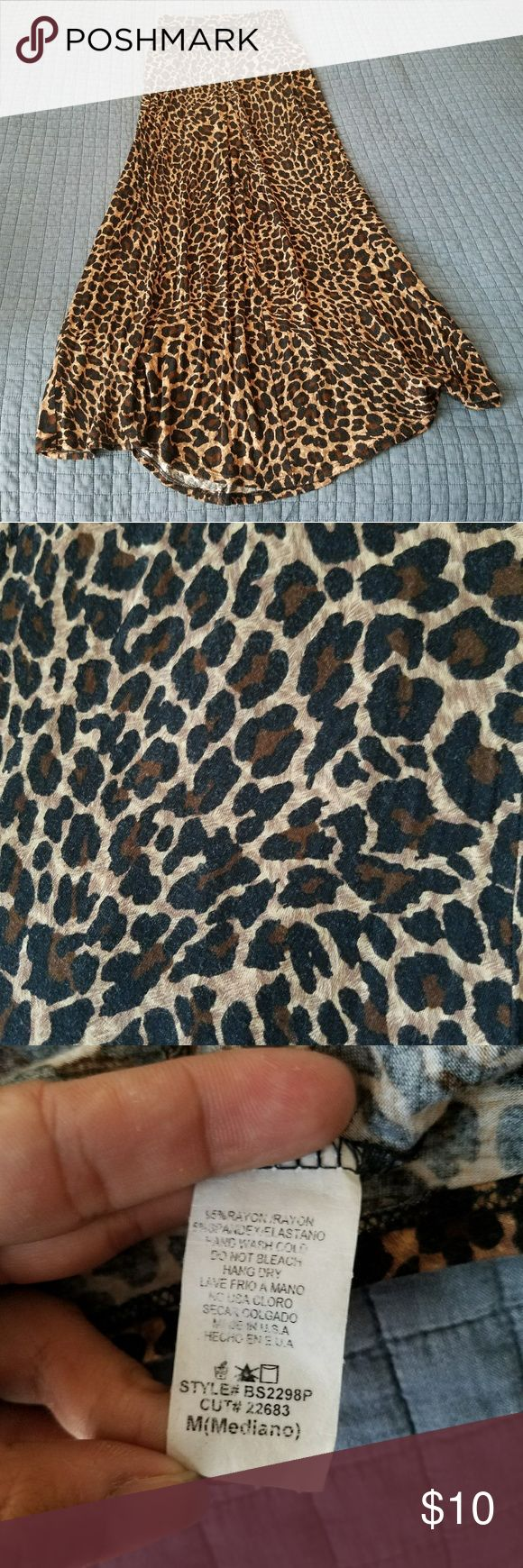 Leopard maxi skirt Leopard maxi skirt, some signs of wear but very comfortable and flowy! Skirts Maxi