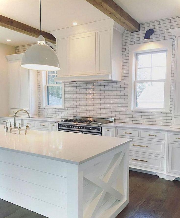 Adorable 65 Modern Farmhouse Kitchen Decor Ideas https://homeastern.com/2018/02/01/65-modern-rustic-farmhouse-kitchen-makeover-ideas/