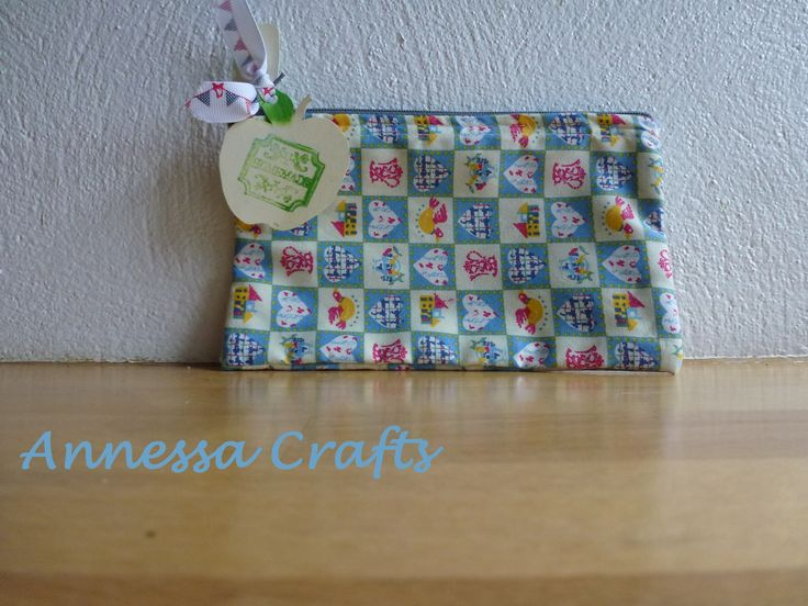 Zipped cosmetics bag / coin purse in vintage style fabric. £5.00 now on http://annessacrafts.moonfruit.com/