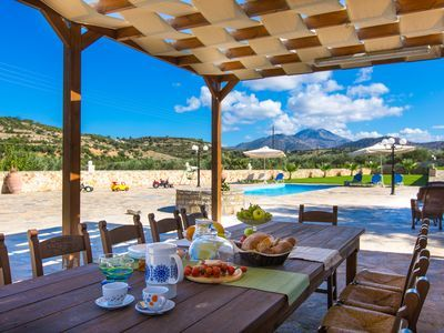 Rethymno villa rental - Enjoy al fresco dining...it's a unique experience!
