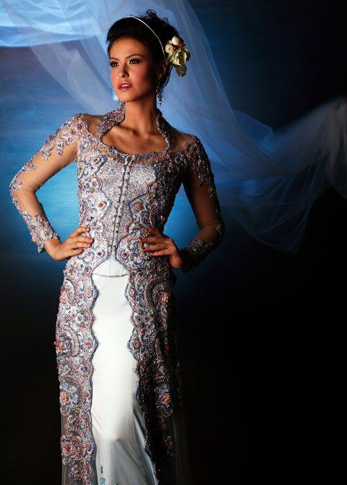 Modern Kebaya : Evolution of Indonesian Traditional Dress Style   Indonesia