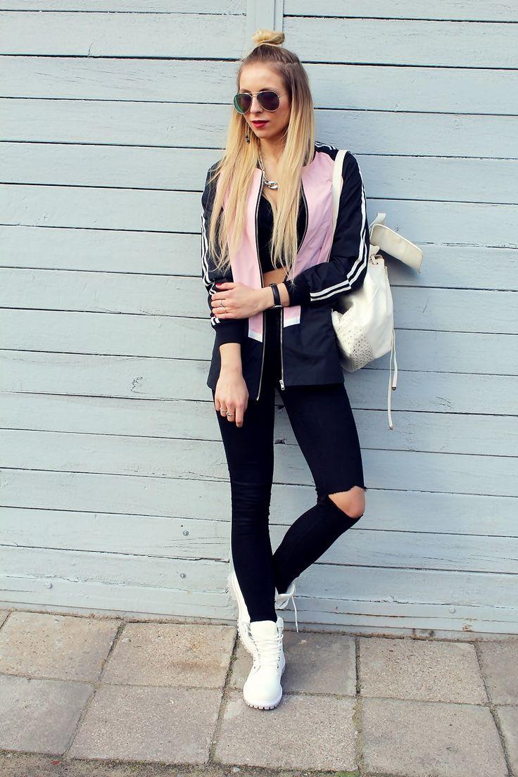 #timberland #whitetimberland #white #croptop #sandicious #look #outfit #stylizacja #ootd #jacket #blondegirl