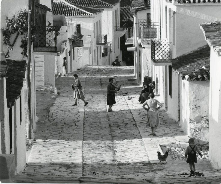 Santorini Alley, photography by Wolf Suschitzky, 1960, in Greece