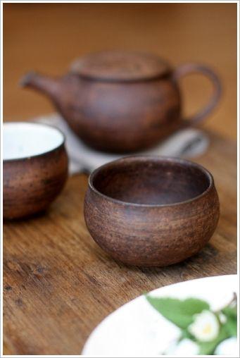rustic tea cups and pot.