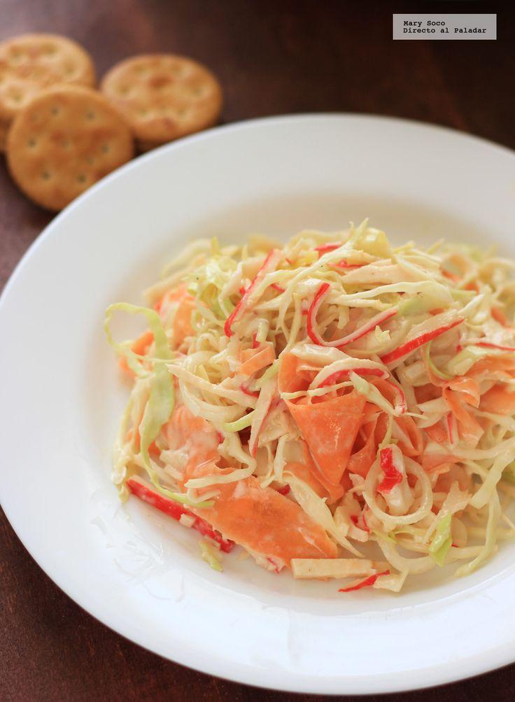 Receta de ensalada de surimi con col y zanahoria. Con fotografías paso a paso, consejos y sugerencias de degustación. Recetas de cuaresma