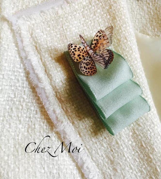 Sono felice di condividere l'ultimo arrivato nel mio negozio #etsy: Brooche - Bow Tie - Gift Handmade - Bow Brooch - Ribbons Brooch - Textile Brooch - Pin - Spilla - Love Gift - Butterfly Brooch #gioielli #spille #verde #pasqua #donne #boho