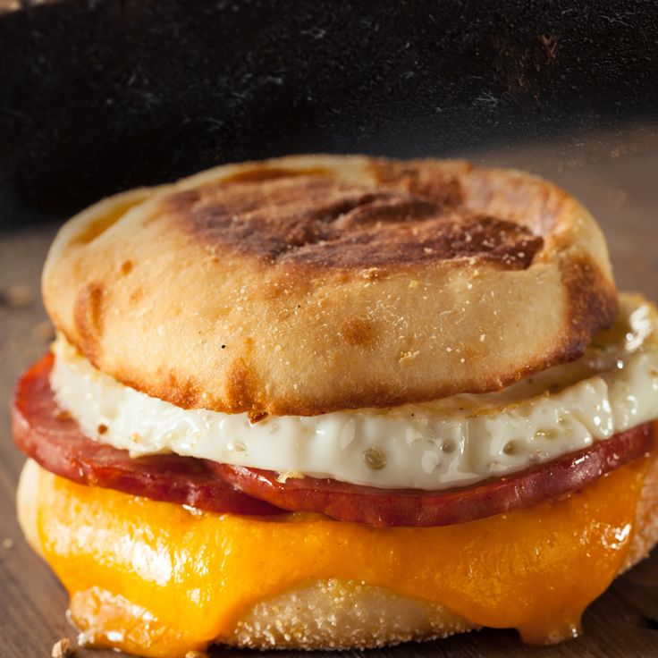 1000+ ideas about Mcmuffin on Pinterest | Egg mcmuffin recipe ...