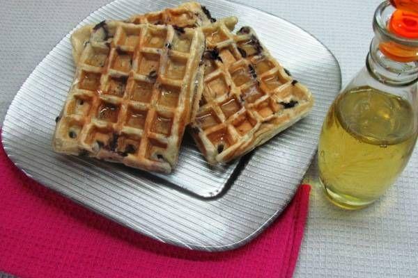 Recipe: Fluffy Blueberry Waffles