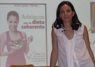 """Publicación en Faro de Vigo sobre la presentación de nuestro nuevo libro """"Adelgaza con la Dieta Coherente"""". Cuidado con las dietas milagro. A partir del minuto 12:30"""
