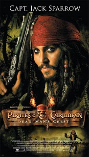 Pirates of the Caribbean: Dead Man's Chest (2006) . Η Elisabeth νομίζει ότι βιώνει την χειρότερη στιγμή της ζωής της, όταν την ημέρα του γάμου της βρέχει ακατάπαυστα και ο γαμπρός φαίνεται να έχει γίνει άφαντος. Μακάρι να ήταν μόνο αυτές οι έγνοιες της: μετά από τη σύλληψη της από τις αρχές διαπιστώνει ότι ο αγαπημένος της Will και η ίδια έχουν καταδικαστεί σε θάνατο, επειδή βοήθησαν τον Jack Sparrow να αποδράσει. Ο τελευταίος πάλι έχει να ασχοληθεί με τα δικά του προβλήματα...