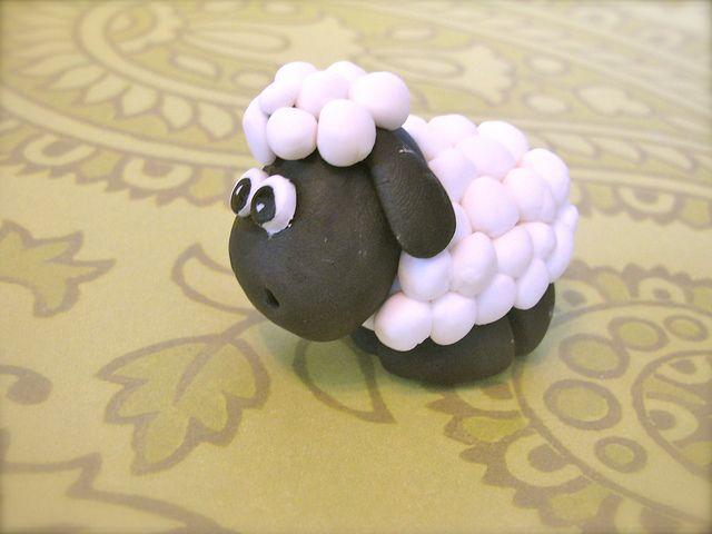 fondant sheep #CakeDecoratingTooCute!