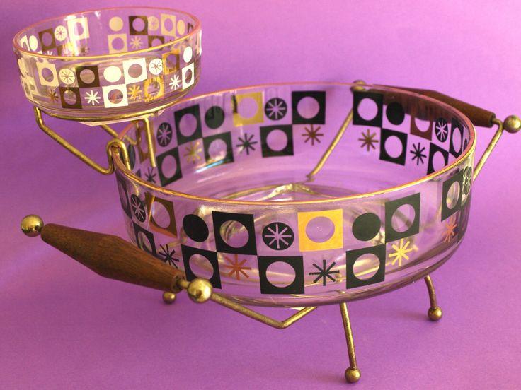 Vintage Mid Century Atomic Starburst Gold Black White Glass Chip and Dip Bowls with Teak & Metal Stand - 50s Serving Bowls with Atomic Stand by FunkyKoala on Etsy https://www.etsy.com/listing/263533123/vintage-mid-century-atomic-starburst