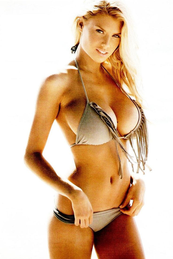 Al Bruno III's Internet Tomfoolery: (Recommended Hotness) Let's have a Charlotte McKinney megapost!